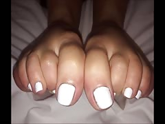 Konstantina moves her sexy (size 39) feet