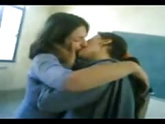 YouTube - School Girls-French Kiss mpeg4